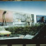 ΔΡΟΜΟΣ ΜΕ ΓΙΓΑΝΤΟΑΦΙΣΕΣ  Μικτή τεχνική σε πλέξιγκλας, 112 x 150 εκ., 1997