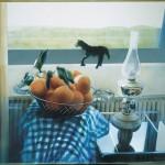 ΠΟΡΤΟΚΑΛΙΑ ΣΤΟ ΠΑΝΕΡΙ Μικτή τεχνική σε πλέξιγκλας, 67 x 78 εκ., 2002